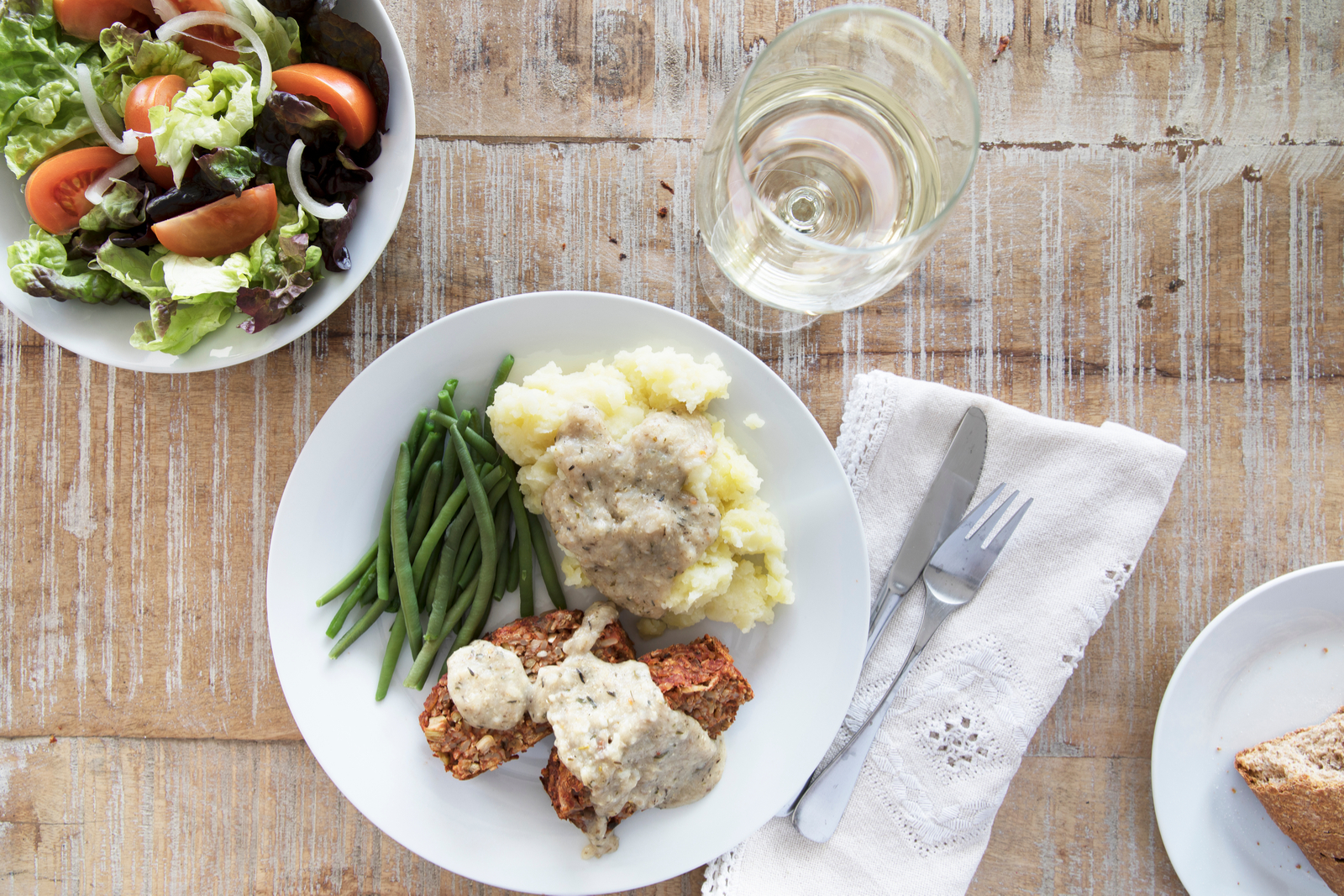 Chickpea Vegan Meatloaf | Vegan Thanksgiving Ideas: 9 Dishes For A Delicious Meal